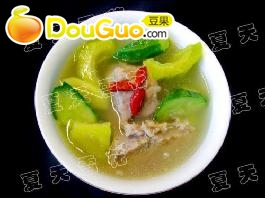 苦瓜排骨黄瓜汤的做法