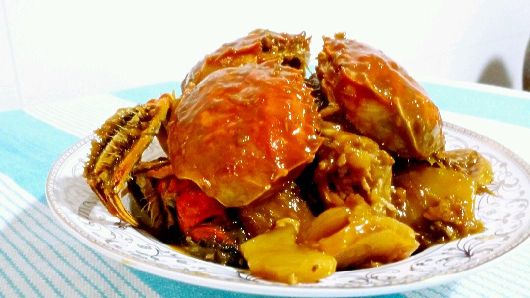 家常菜:腊肉毛蟹焖鸡的做法