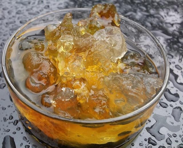 桃胶皂角米糖水煲-养颜美容