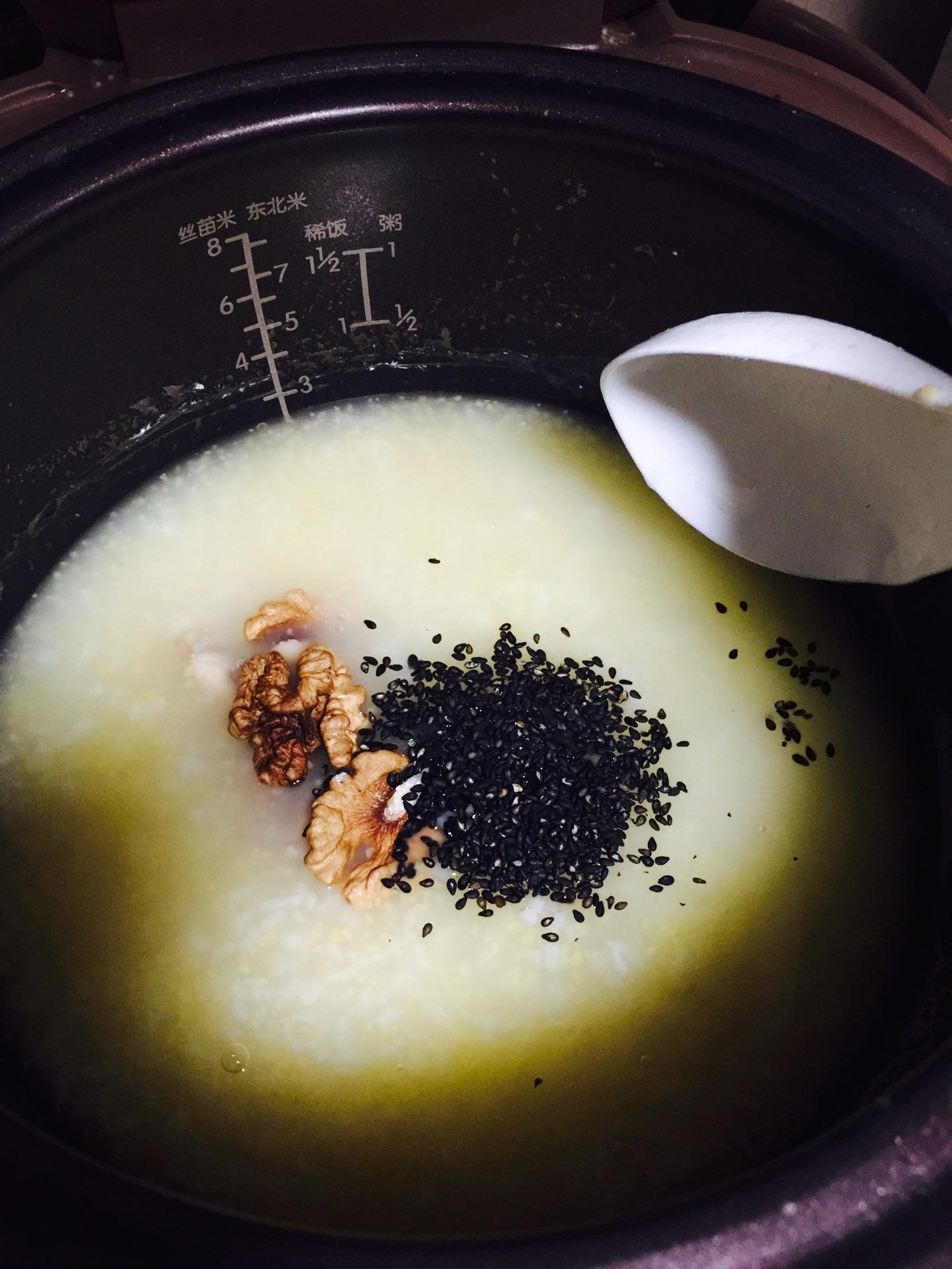 芝麻核桃养生粥