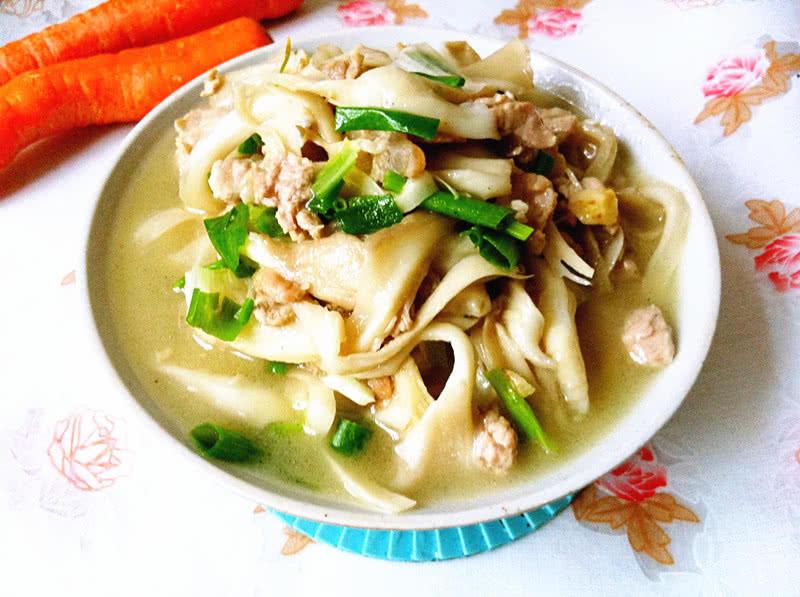 平菇炒肉的做法_【做做】平菇炒肉水煮好吃咸鸭蛋用图解多久图片