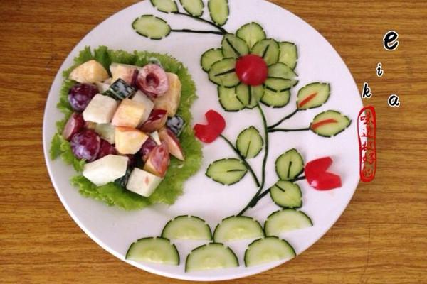 水果沙拉创意拼盘的做法 水果沙拉创意拼盘怎么做如何做好吃 水果沙