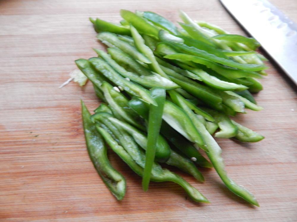 青椒炒茭白的做法步骤