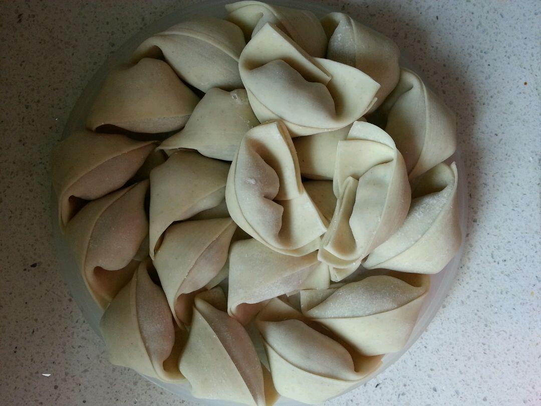 荠菜香菇鲜肉大馄饨的做法图解13