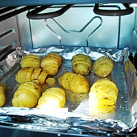 金刚土豆小立式--格兰仕百变黑椒美食电烤箱澜风琴新石港