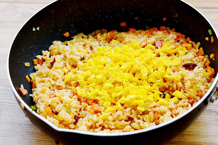牛肉酱蛋炒饭的做法步骤