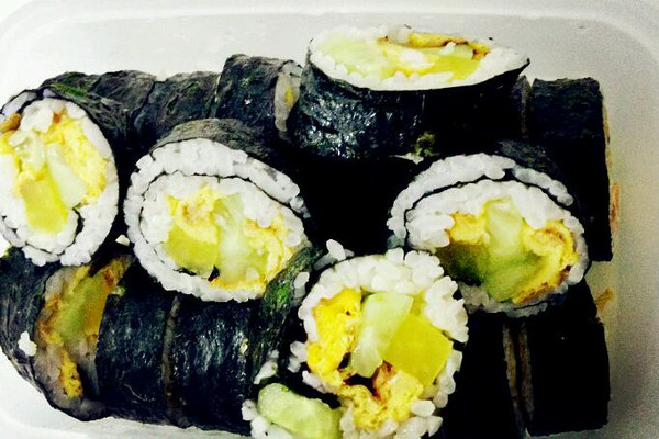 卷寿司的做法_【图解】卷寿司怎么做如何做好吃_卷