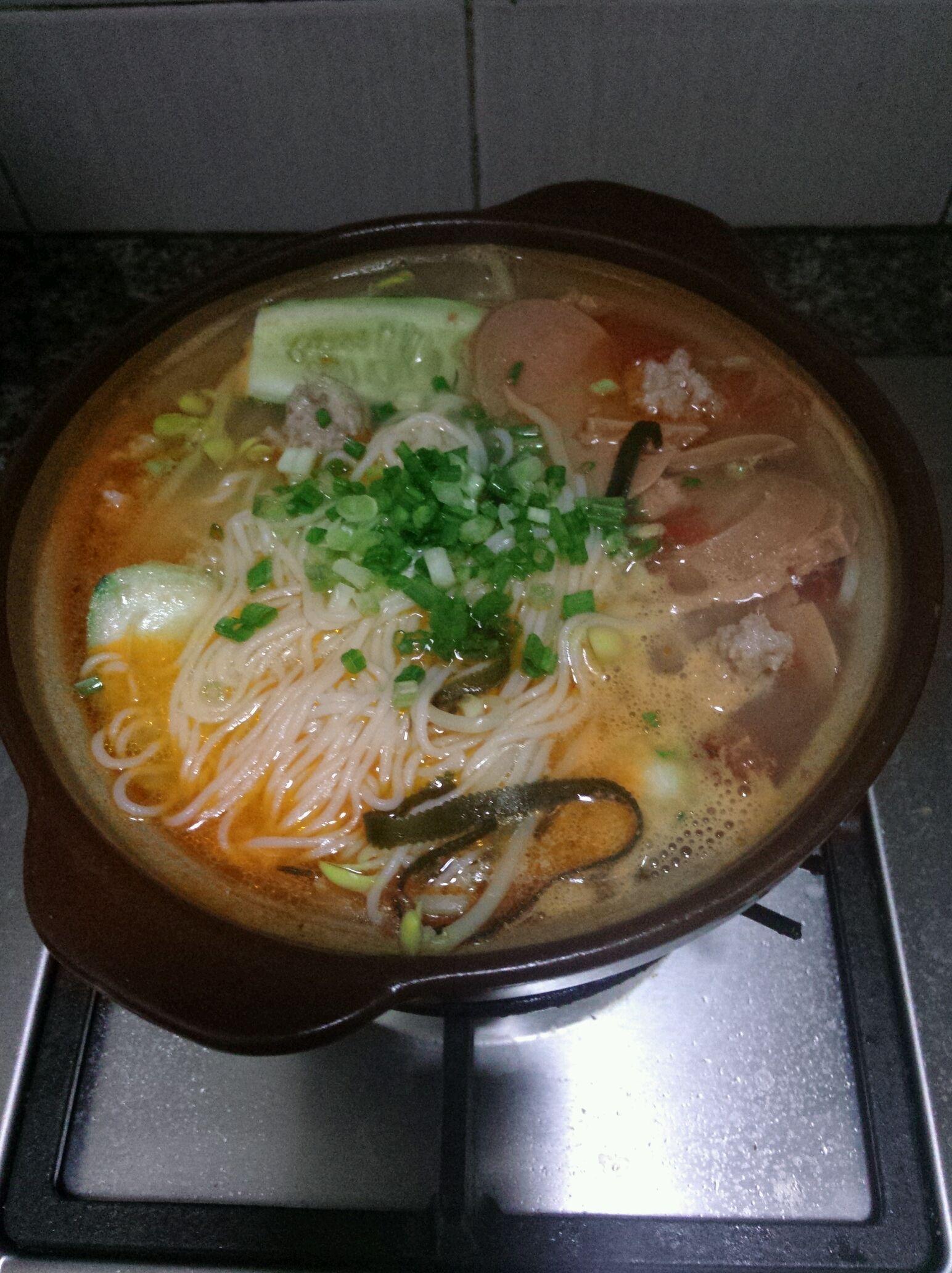 火腿砂锅米线