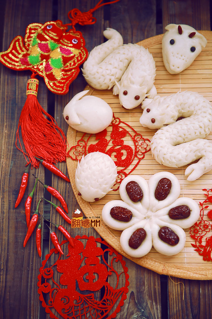 中国年传统的延续,记得小时候家里就会捏小刺猬小兔子的馒头给小孩子