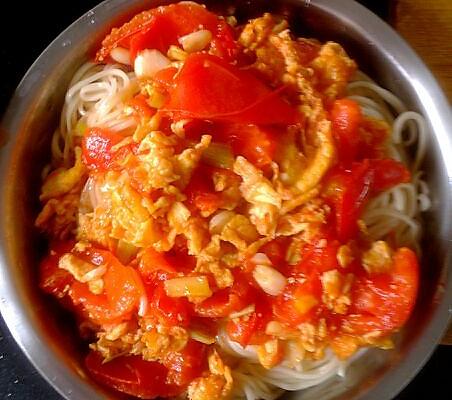 番茄鸡蛋捞面的做法步骤