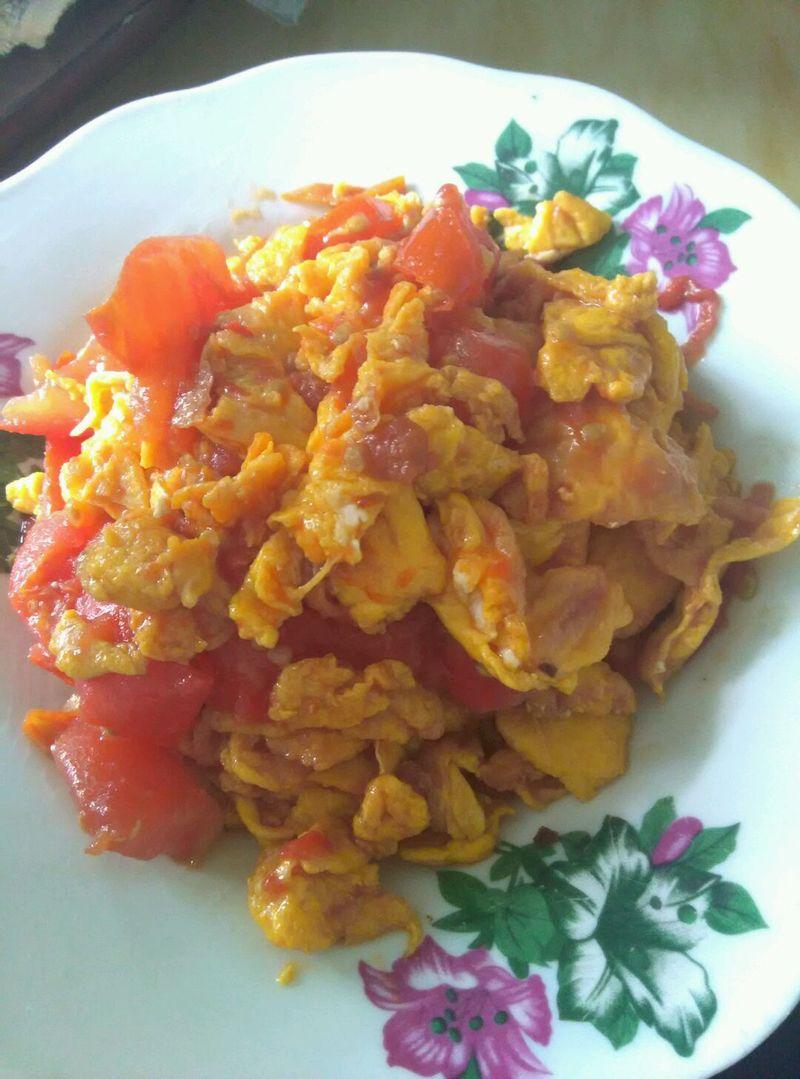 主料 4个 2个(不太大) 西红柿炒蛋的做法步骤        本菜谱的