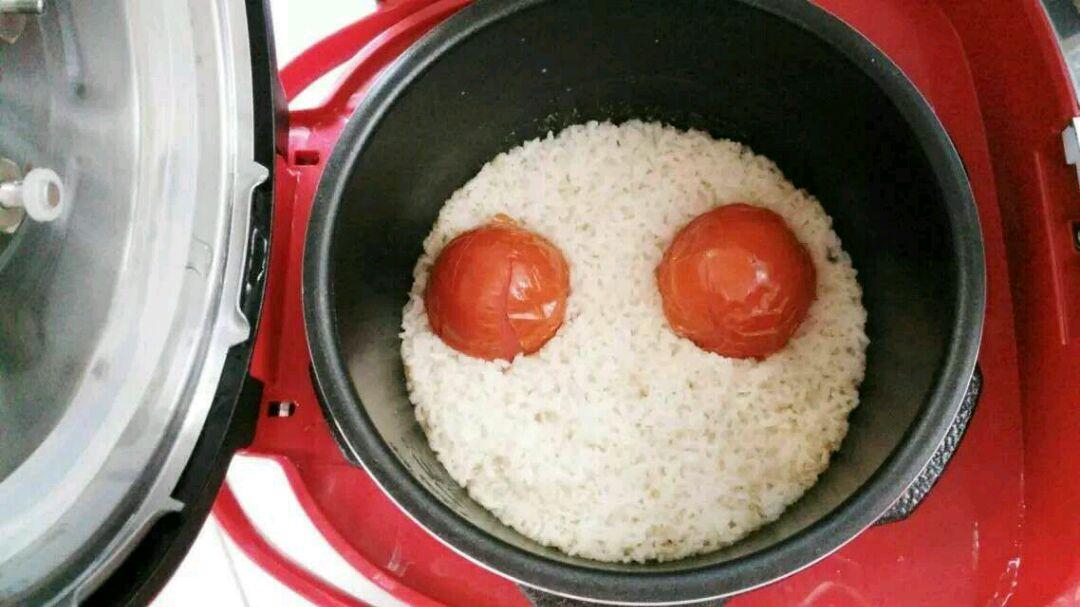 和米饭搅拌均匀,即可食用.