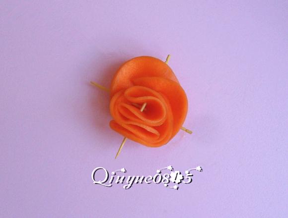 胡萝卜玫瑰花的做法图解7