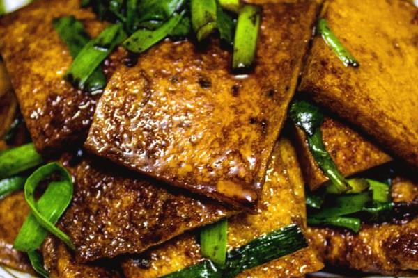 红烧千叶豆腐 豆腐也可以做得有滋有味的做法 红烧千叶豆腐 豆腐也可