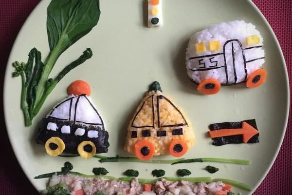 小汽车卡通餐 宝宝卡通餐的做法