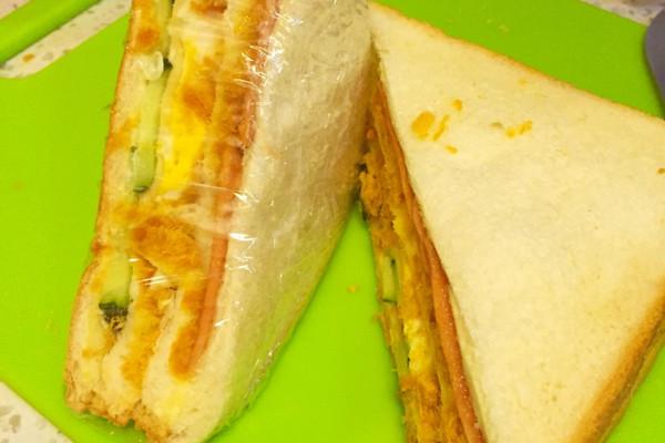 肉松多多三明治的做法_【图解】肉松多多三明治怎么做