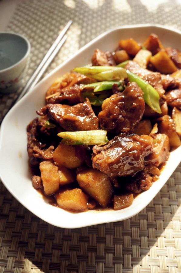 糖1小勺 土豆鸡块的做法步骤 分类:        本菜谱的做法由 米多小鱼