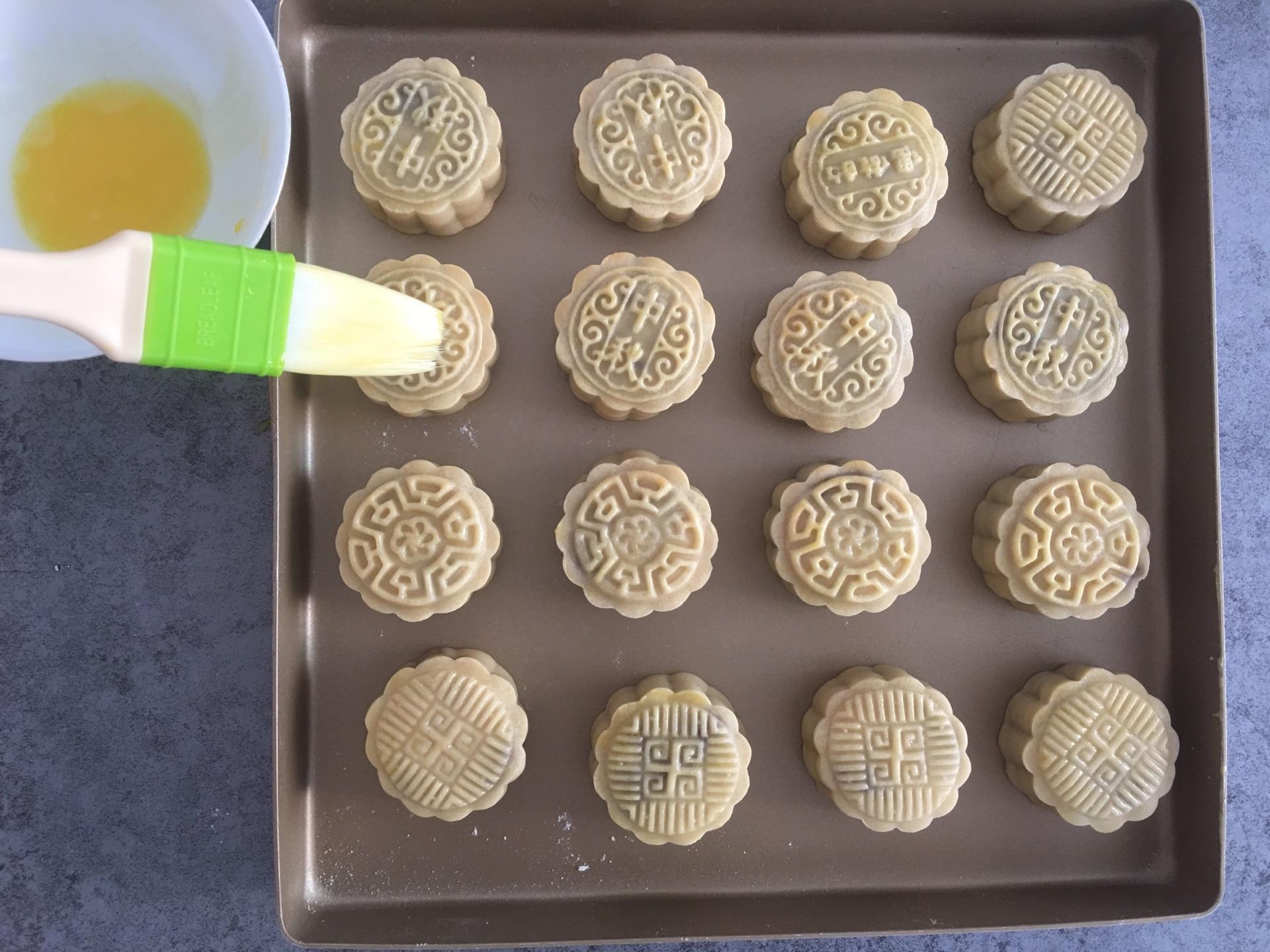 广式豆沙月饼的做法图解7