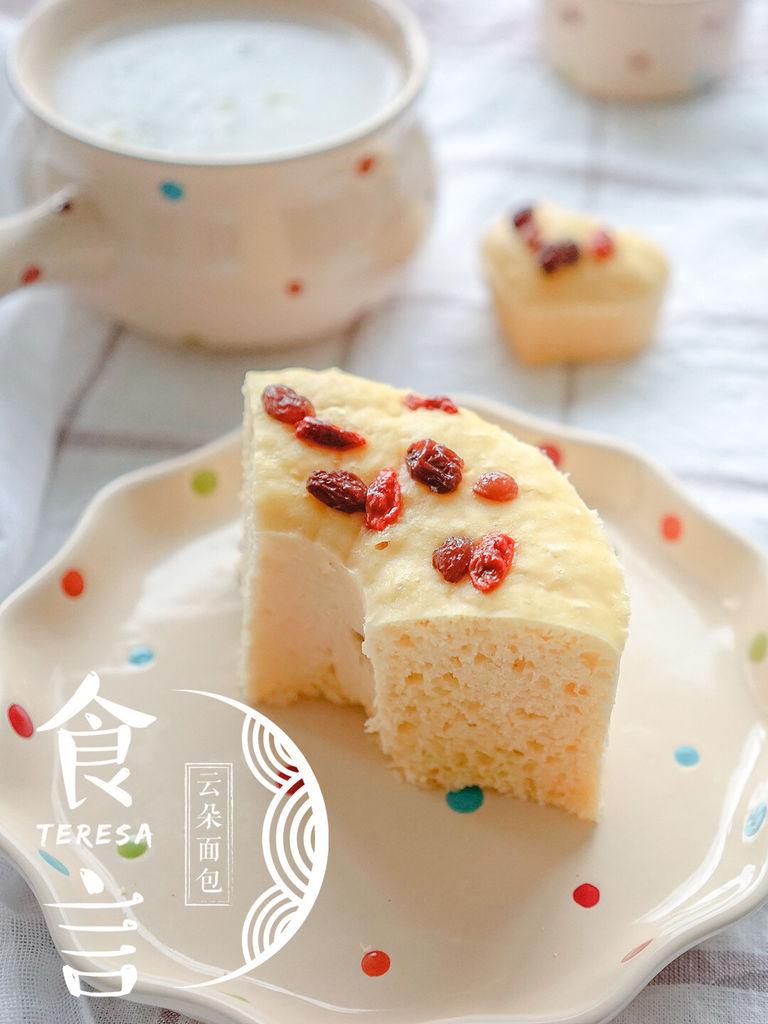 蒸工艺,廿分钟耗时,简单难度红糖粘玉米面发糕的做法步骤 1葡萄干提前