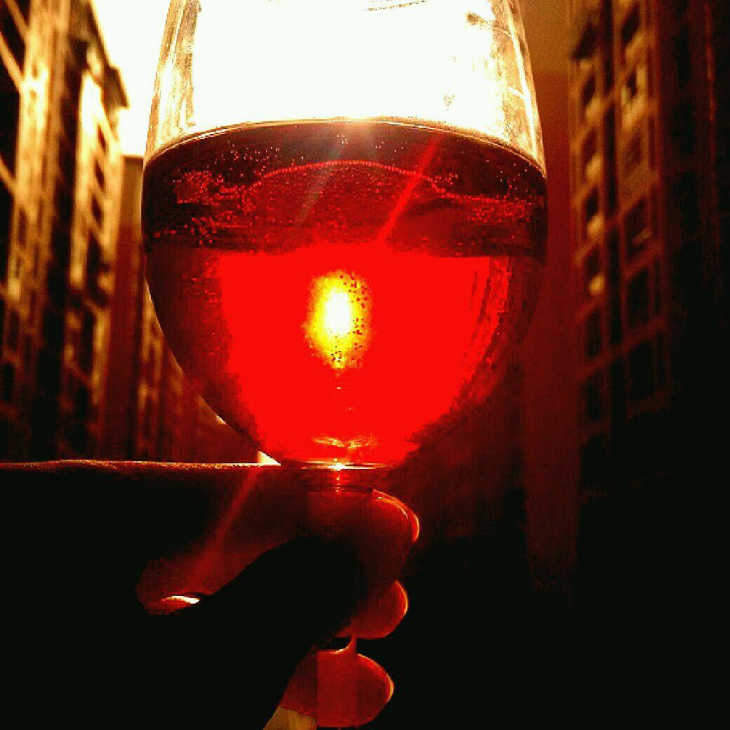 主料 红酒3勺 雪碧1瓶 红酒杯1个 勺子1只 雪碧红酒的做法步骤