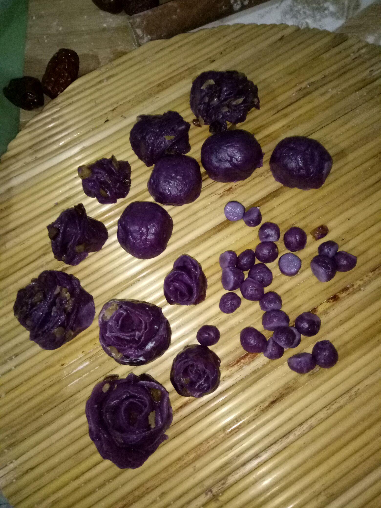 红,紫薯花式蒸面点的做法图解7