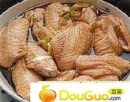 葱油鸡翅的做法