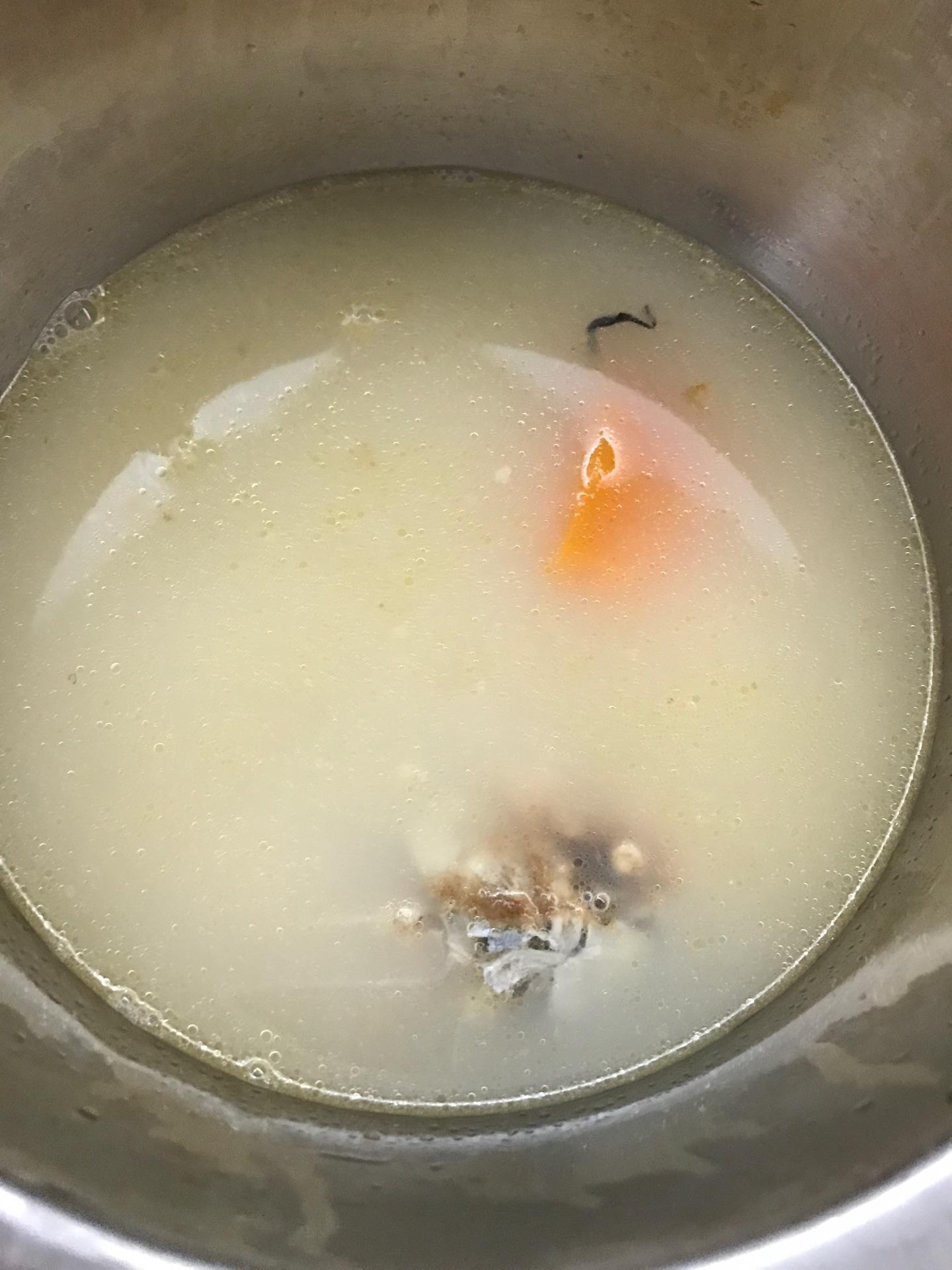 鲫鱼木瓜汤的做法图解7