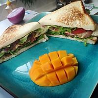 快速简易版好吃的三明治(培根 火腿)的做法图解5
