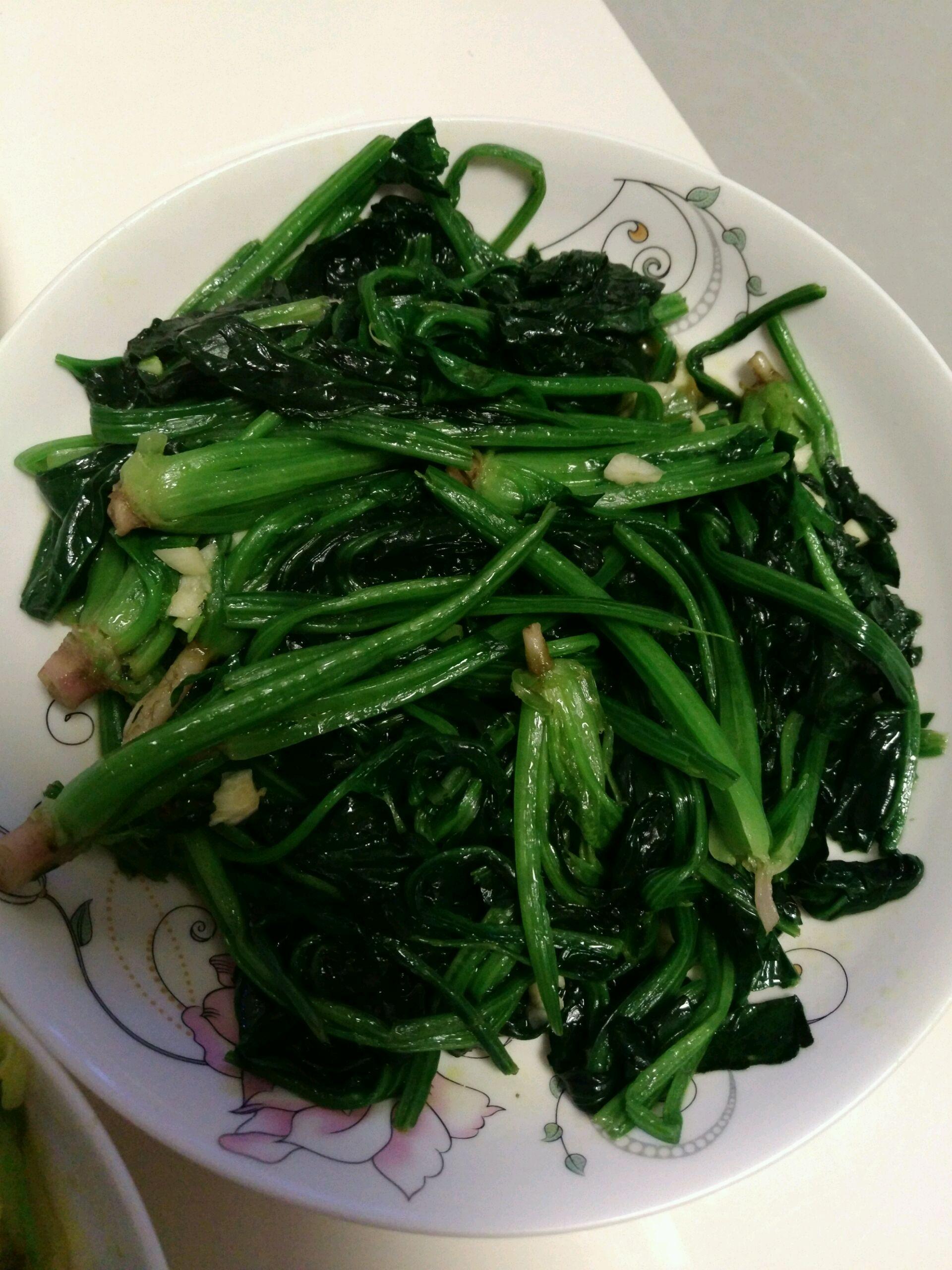 菠菜的做法_【图解】菠菜怎么做如何做好吃_菠菜家常