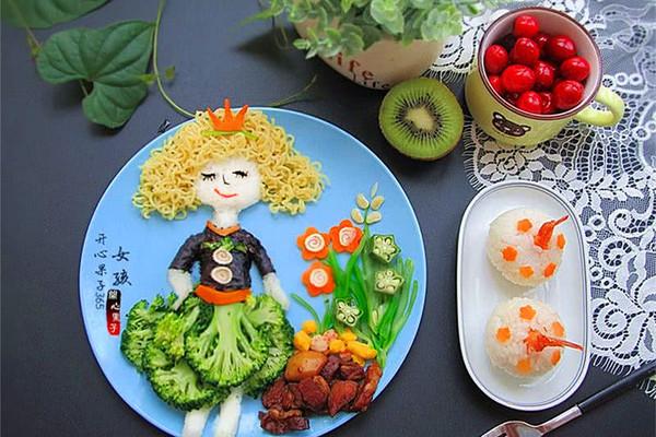 卷发女孩方便面儿童餐#小虾创意料理#的做法