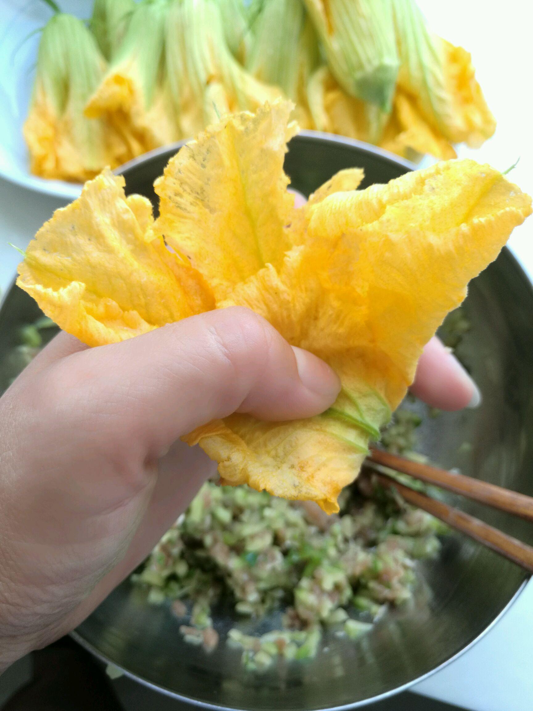 南瓜花酿肉的做法图解7