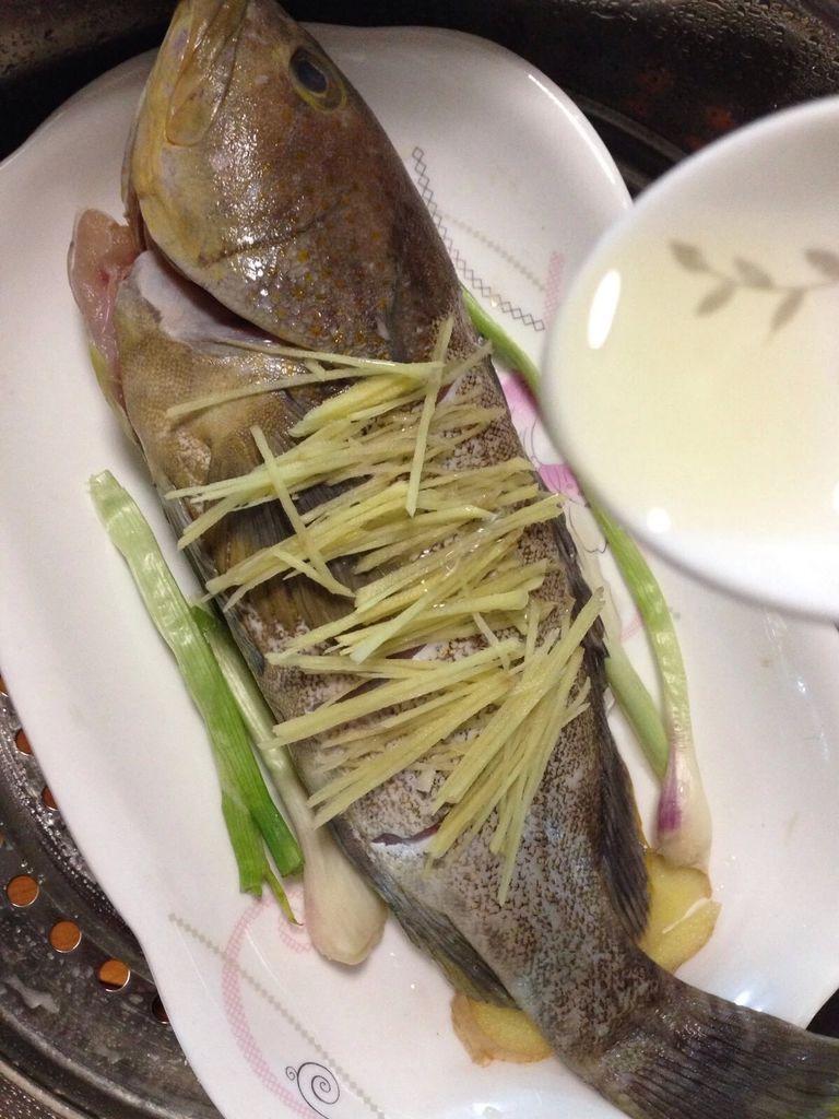 清蒸石斑鱼的做法图解5