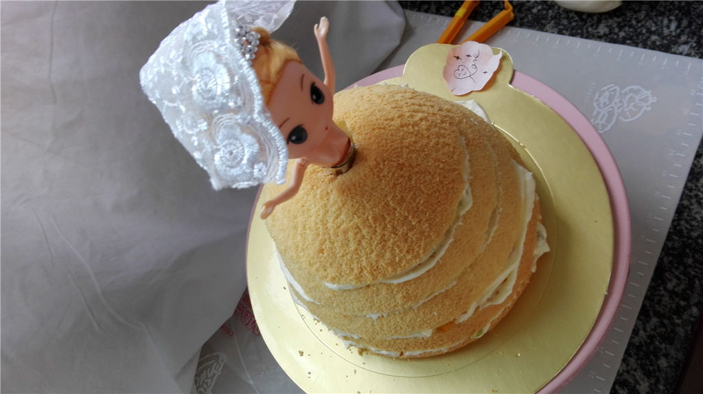 芭比公主蛋糕的做法_【图解】芭比公主蛋糕怎么做