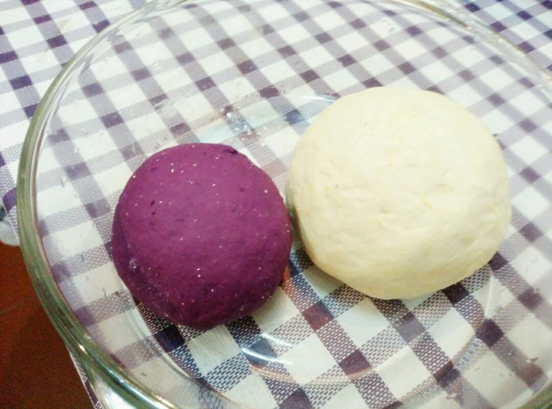爱仕达寻找面点女王#紫薯小馒头的做法图解1