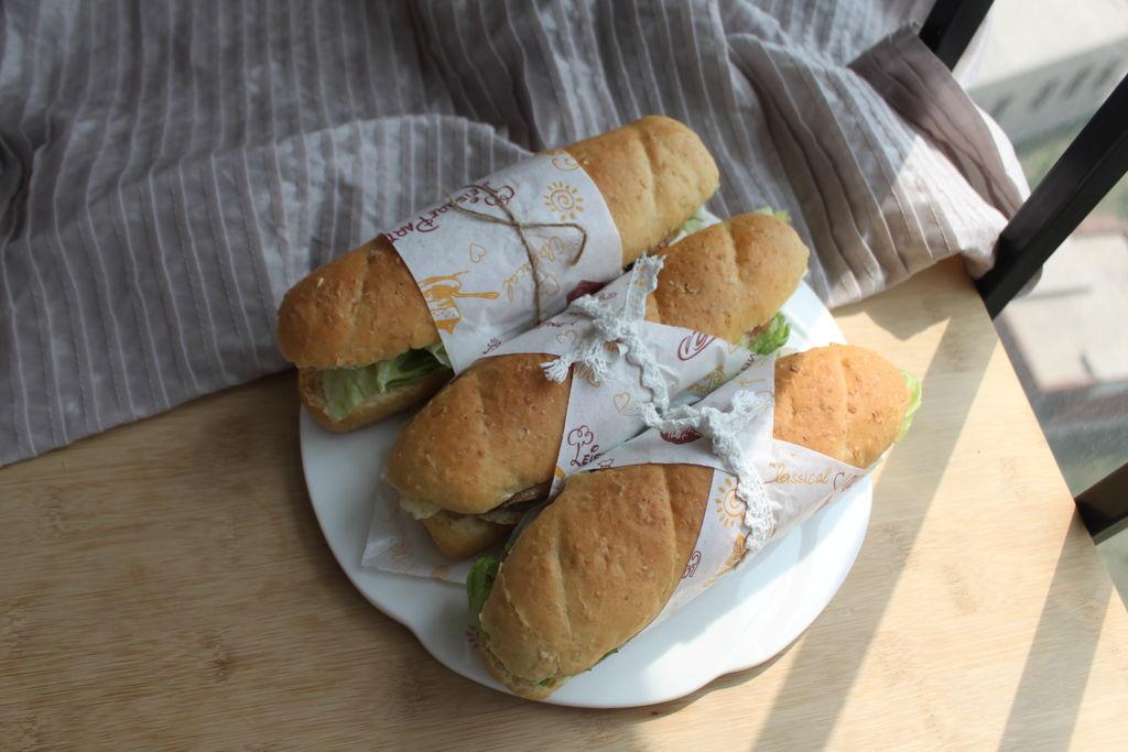 纯手工制作的燕麦面包