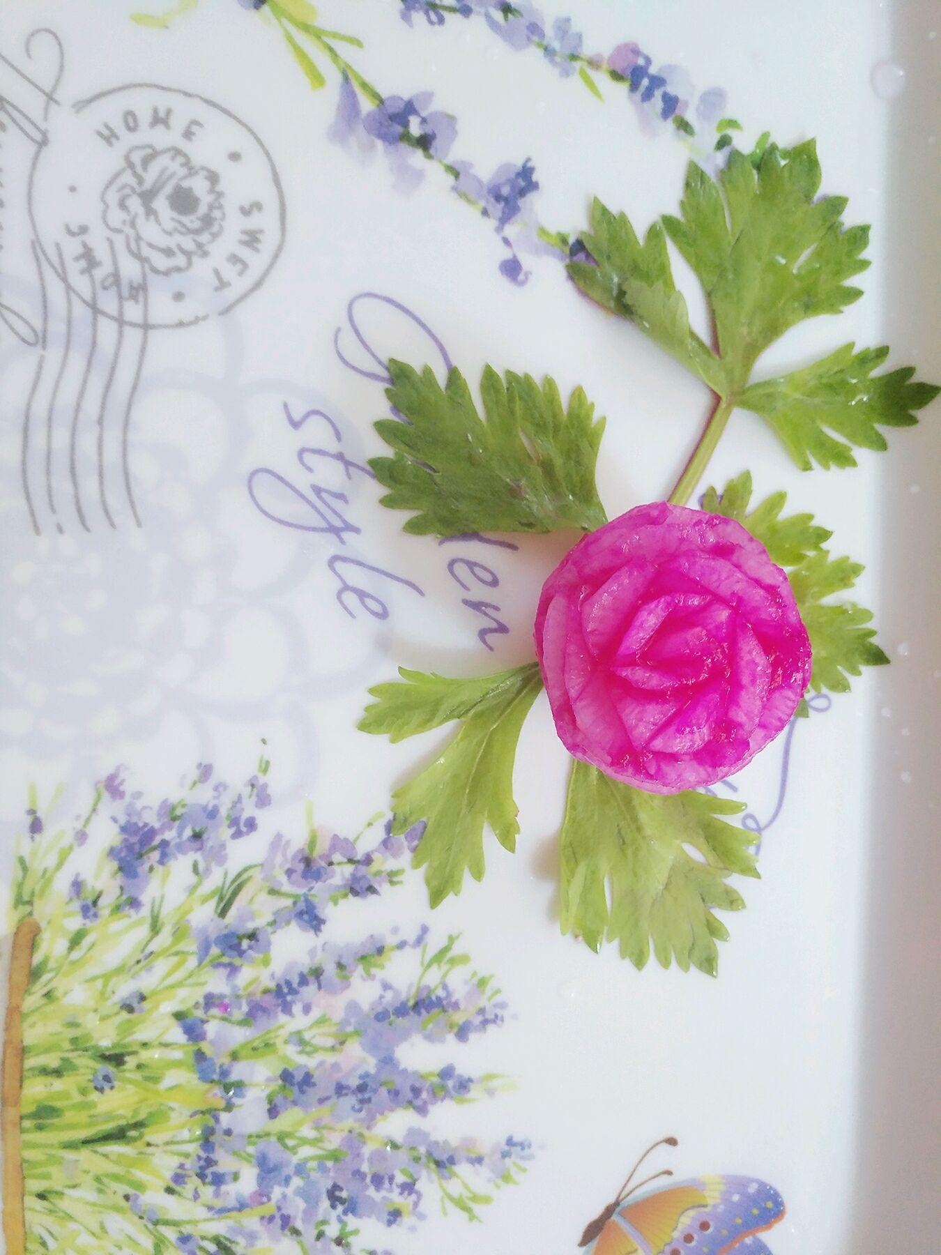 菜盘装饰之萝卜雕花