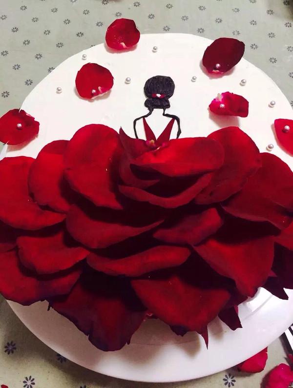 玫瑰花瓣女孩蛋糕