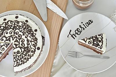 可可戚风 巧克力围边奶油蛋糕(视频菜谱)