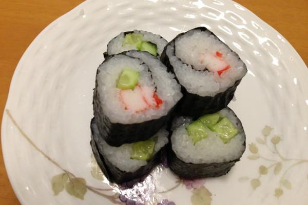 寿司小卷的做法_【图解】寿司小卷怎么做如何做好吃