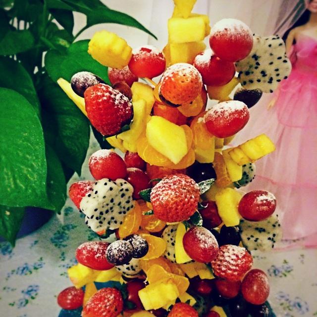 水果圣诞树—假装下雪的圣诞夜的做法