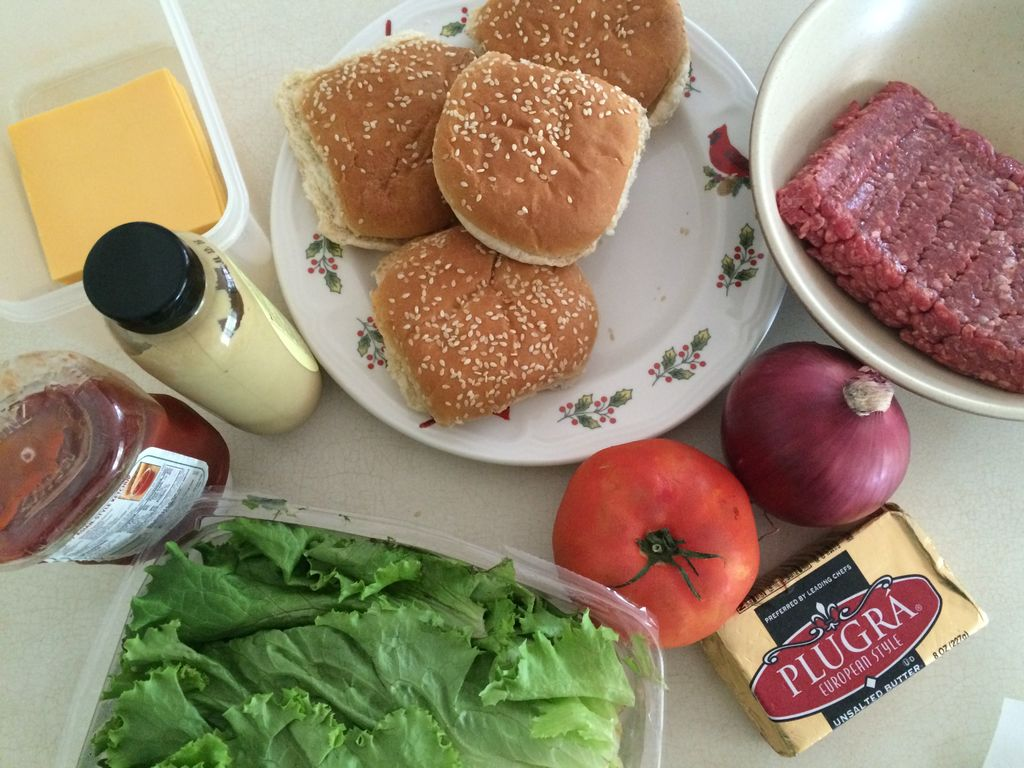 美国小学生制作地道美式汉堡 的做法步骤