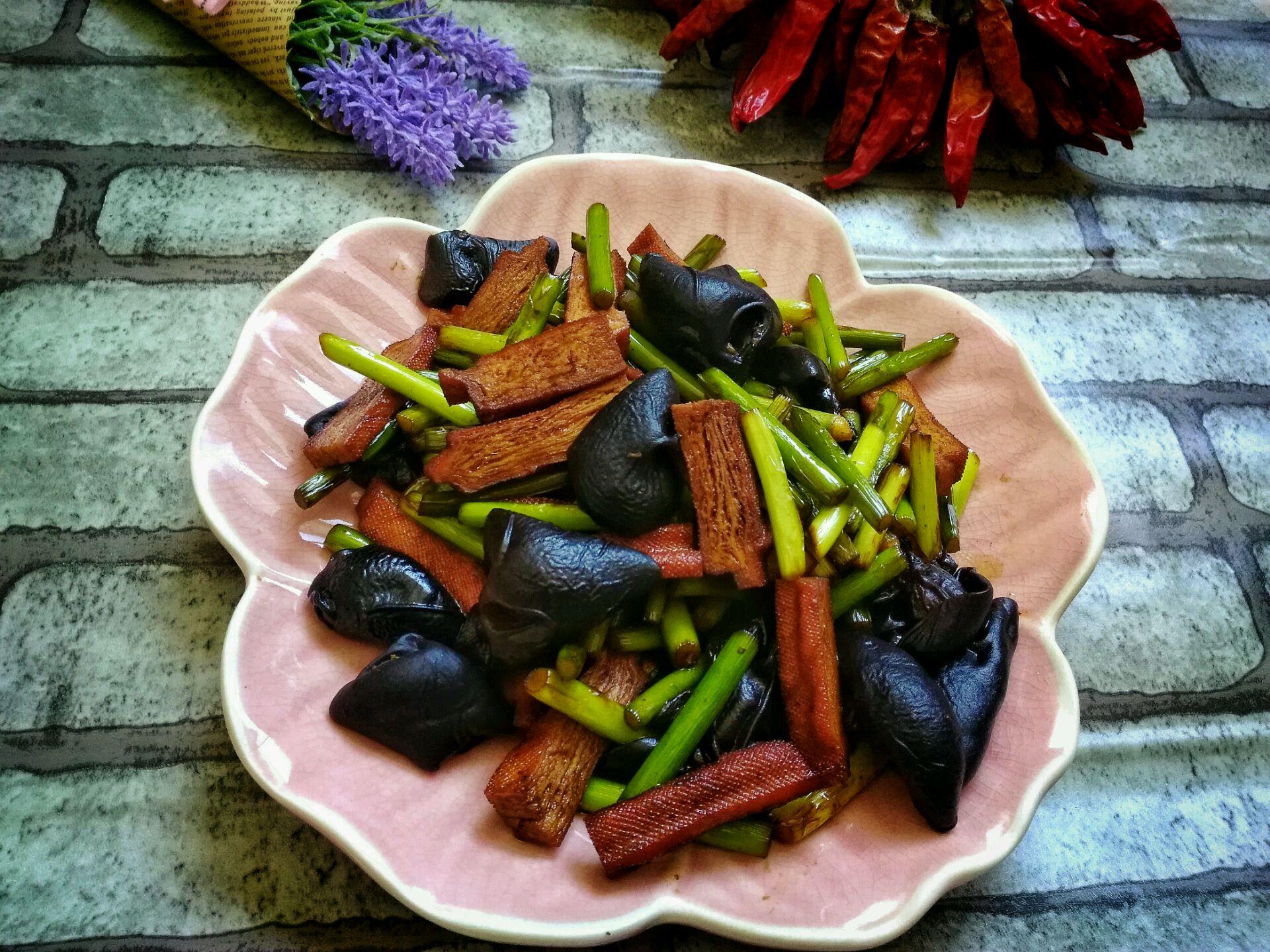 家常菜—快炒蒜苔香干的做法图解6