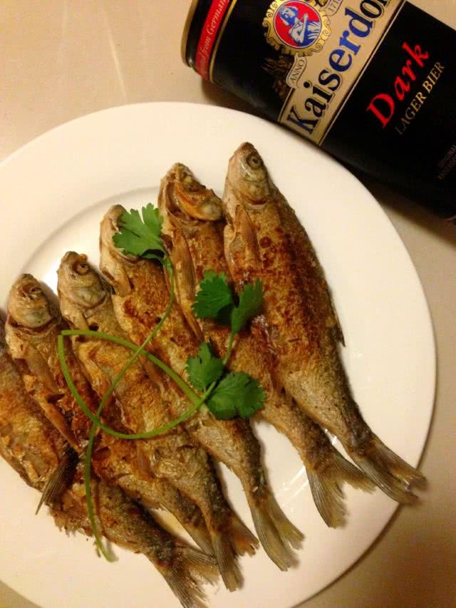 香煎岛子鱼的做法图解4