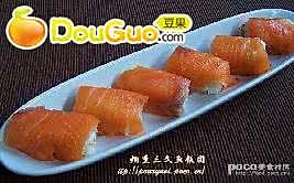 烟熏三文鱼饭团的做法