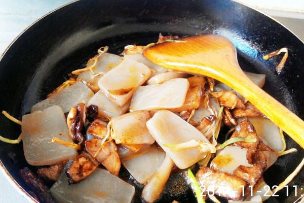 魔芋豆腐炒肉怎么做如何做好吃 魔芋豆腐炒肉家常做法大全 厨丫丫