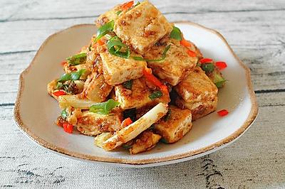 经典复刻:炒鸡下饭的咸蛋黄金沙脆皮豆腐