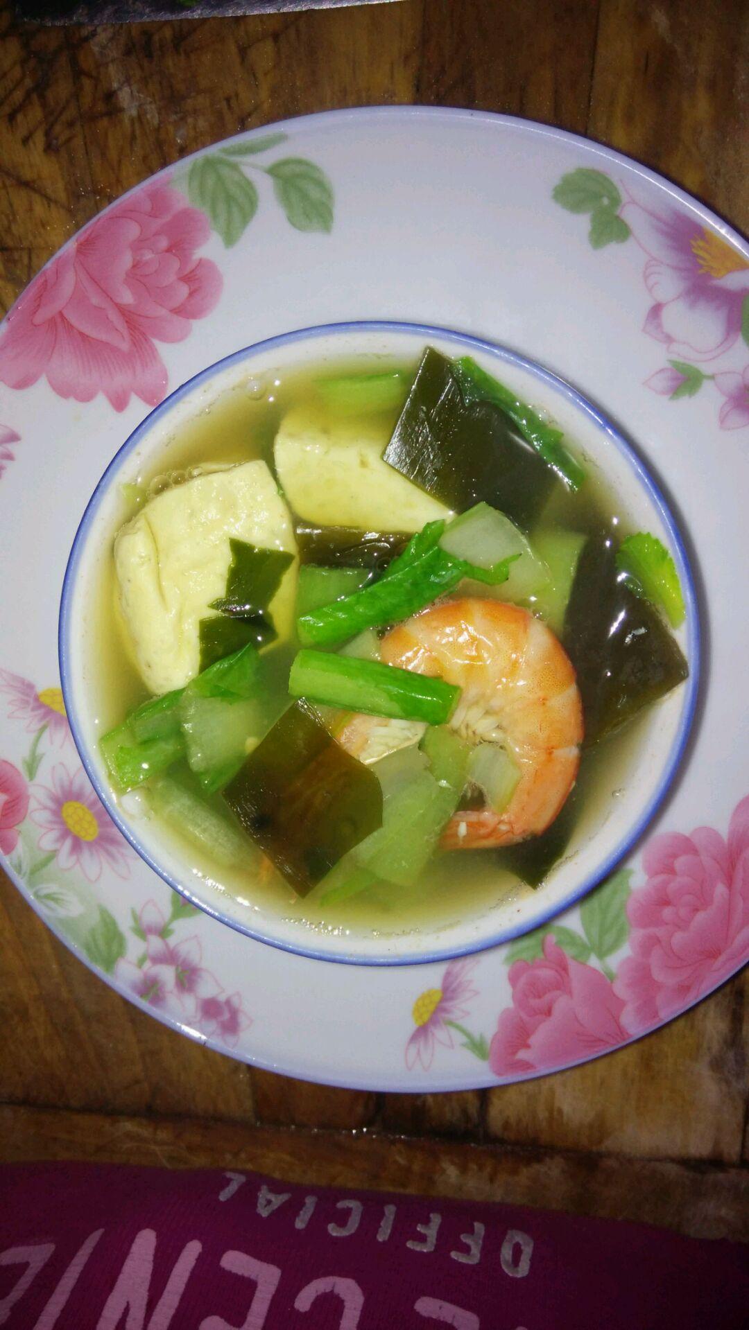 海带豆腐蔬菜汤