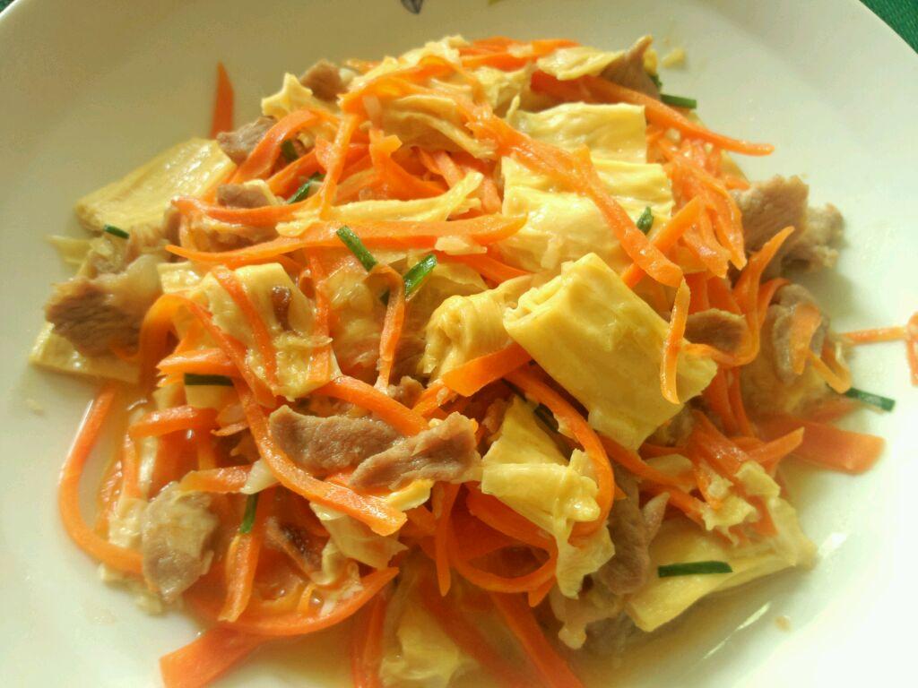 腐竹肉丝胡萝卜的做法