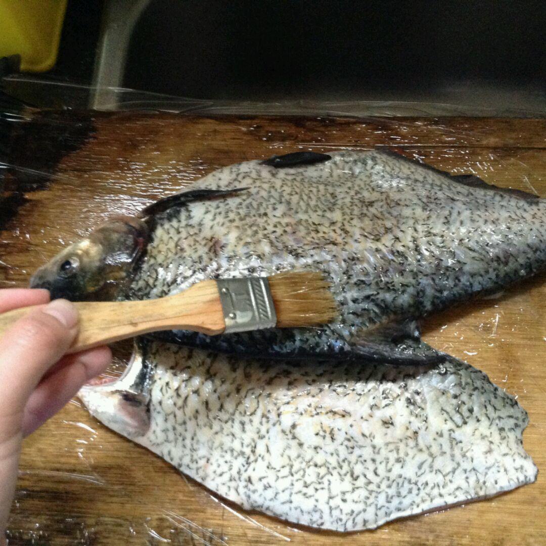 烤箱烤鱼的做法步骤