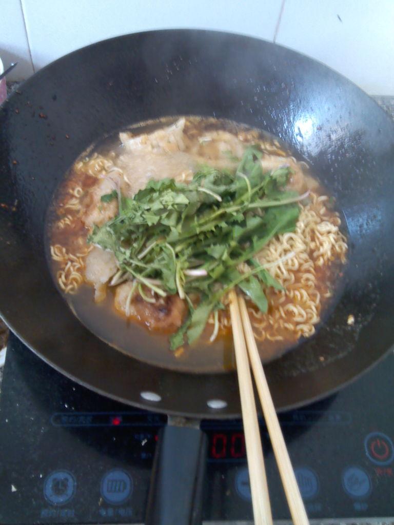 方便面煮水饺的做法步骤